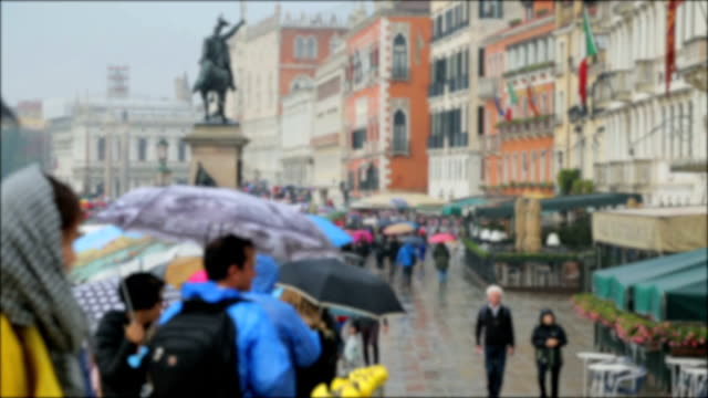 time lapse: the crowded venice town crosswalk. lots of people, italy - grand canal venice stock videos & royalty-free footage