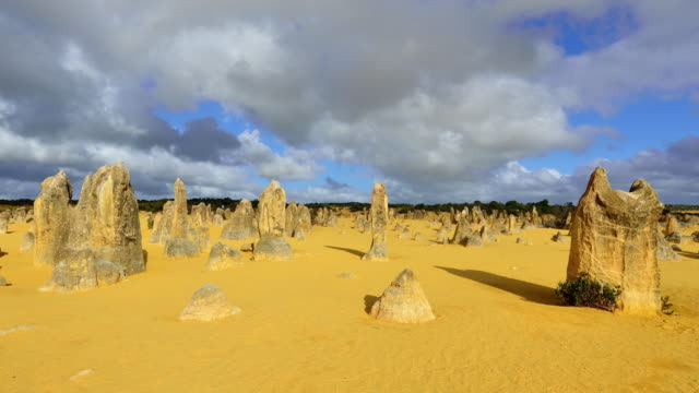 4K Time lapse: The Pinnacles Desert, Western Australia