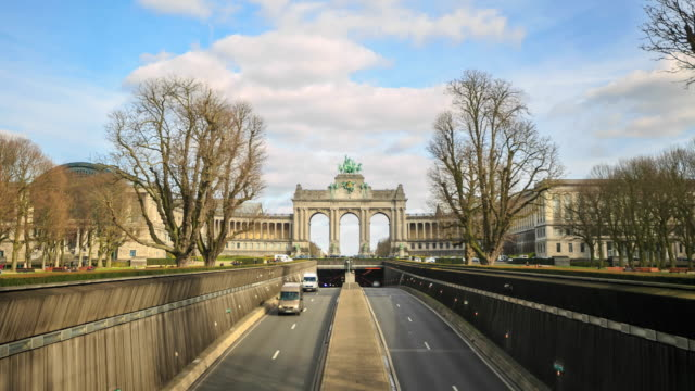 4k time lapse : the triumphal arch - brussels capital region stock videos & royalty-free footage