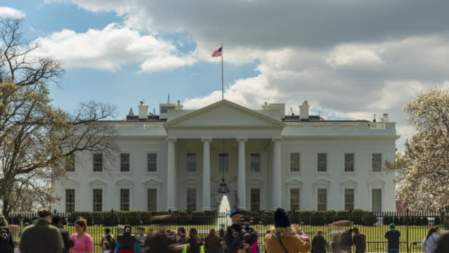 4k uhd time lapse : the white house and cloud sky at washington dc, united state. - ultra high definition television stock videos & royalty-free footage