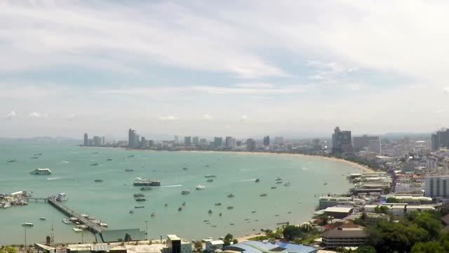 vídeos de stock, filmes e b-roll de time-lapse vista superior em pattaya, tailândia, girar a foto - ângulo agudo