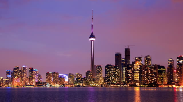 4K time-lapse: Toronto Skyline in Lake Ontario