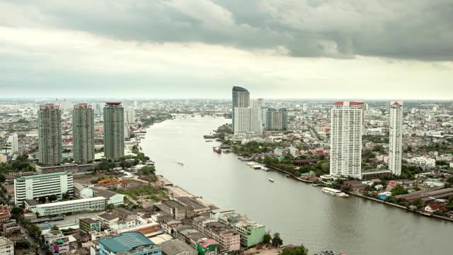 zeitraffer der verkehr in den chao phraya, bangkok - chao phraya delta stock-videos und b-roll-filmmaterial