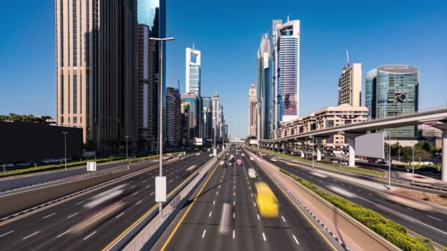 time lapse traffic in dubai - electric vehicle stock videos & royalty-free footage