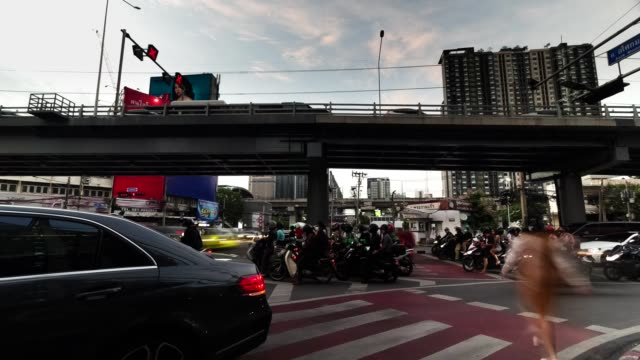 タイムラプス、フェチャブリーロード、バンコクの交通渋滞。 - traffic jam点の映像素材/bロール
