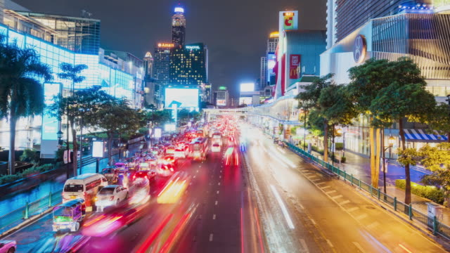 タイムラプス、バンコクのダウンタウンの空中ビューで都市景観とトラフィック。 - ロマンチックな空点の映像素材/bロール