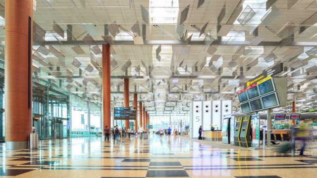 4K Time Lapse : Traveler at Airport Departure Terminal