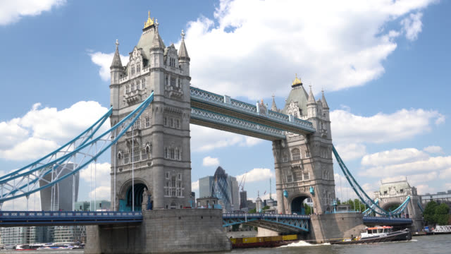 Time Lapse UHD Video Of Tower Bridge With High Clouds In Summer Time