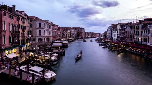 vídeos y material grabado en eventos de stock de hd-time lapse venecia vista del atardecer de puente de rialto - puente de rialto