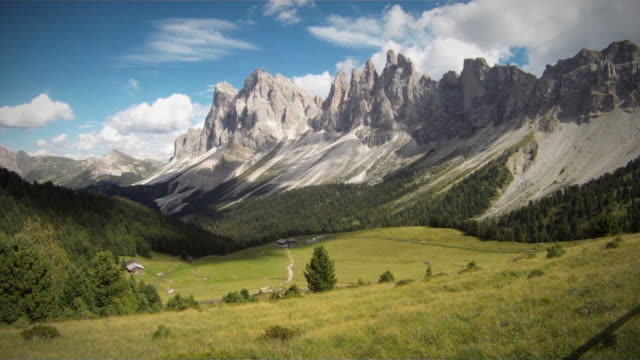 time lapse video of a mountain landscape: the odle - dolomites stock videos & royalty-free footage