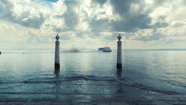 vídeos y material grabado en eventos de stock de lapso de tiempo de vídeo de terminal de ferry en 4 k - puerta estructura creada por el hombre