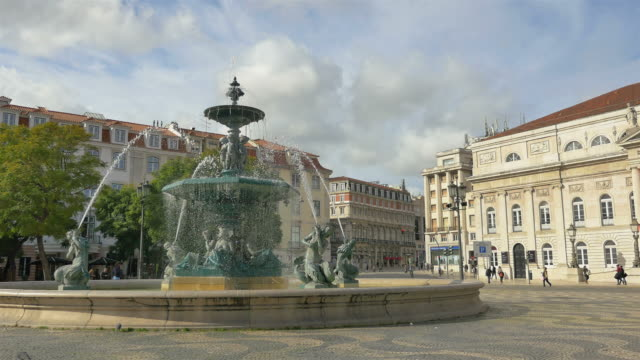 Time lapse video of fountain in Lisbon in 4K
