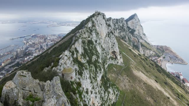 stockvideo's en b-roll-footage met time lapse view northwards to the top of the rock of gibraltar, gibraltar, uk - gibraltar iberisch schiereiland