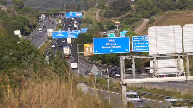 vídeos y material grabado en eventos de stock de time lapse view of the ap-7 highway in the spain northeast region. - autopista