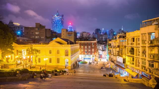4 k の時間経過: マカオ歴史地区、旧ポルトガル植民地都市、観光先として今人気のビュー - 聖ポール天主堂跡点の映像素材/bロール
