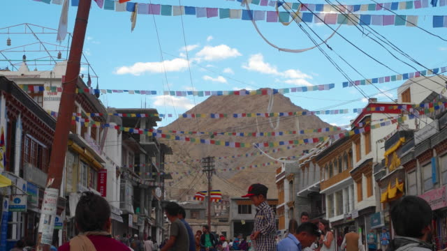 Time lapse View of the main shopping pedestrian street market in Leh