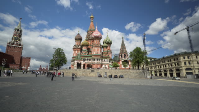 time lapse: walking towards saint basil's cathedral with tourists - moscow, russia - cathedral stock videos & royalty-free footage