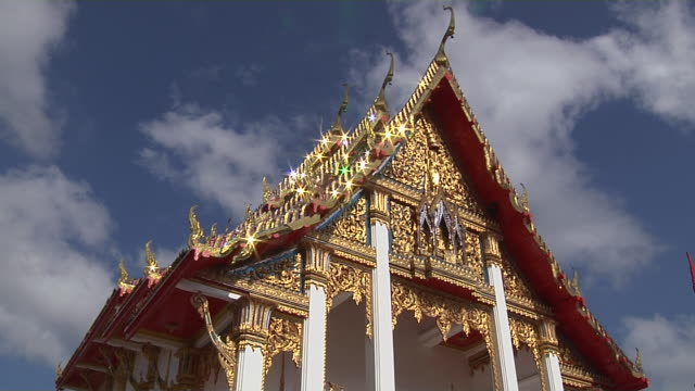 time lapse wat chalong phuket thailand - プーケット県点の映像素材/bロール
