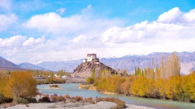 4k time lapse : zanskar river norther part of india  mountains snow peaks and dry mountains in leh district, ladakh jammu and kashmir - mountain range stock videos & royalty-free footage