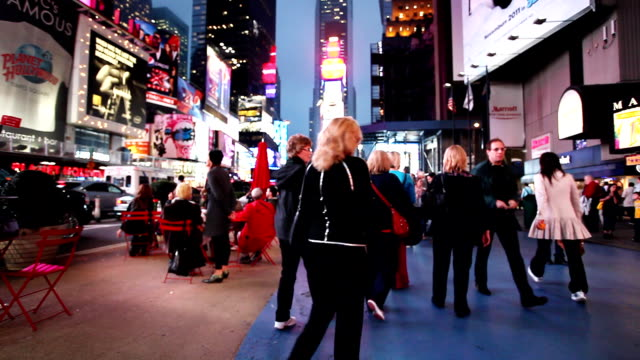 time square broadway new york crowd - video wall stock videos & royalty-free footage