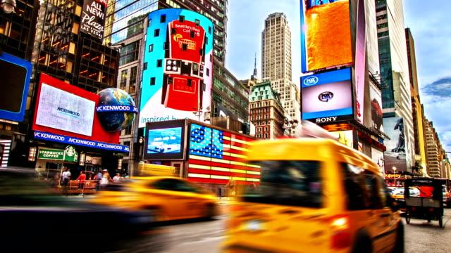 タイムズスクエア。 new ニューヨーク - イエローキャブ点の映像素材/bロール