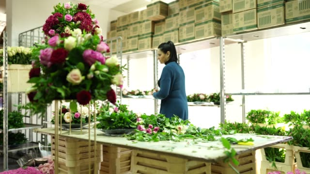 time to be creative with flowers - flower arrangement stock videos & royalty-free footage