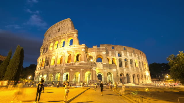 HD Timelapes : Colosseum at dusk, Rome, Italy