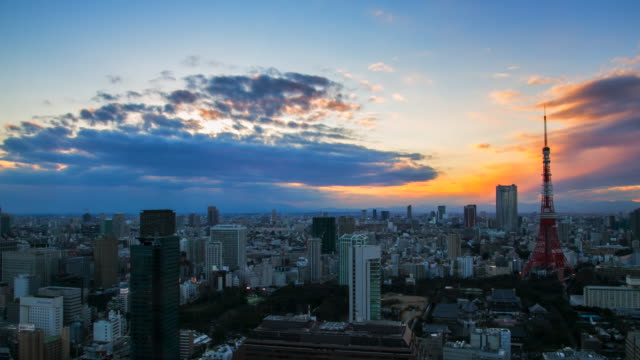 4 k timelapes の空中を表示東京タワー - 日没点の映像素材/bロール