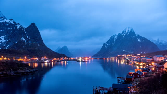 4K Timelaps :Lofoten islands the county of Nordland, Norway.