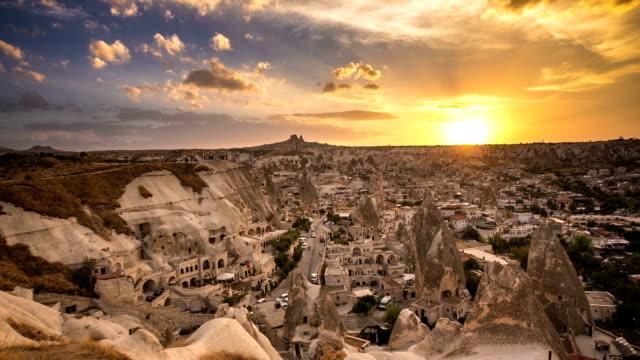 hd timelaps : sunset goreme cappadocia - トルコ点の映像素材/bロール