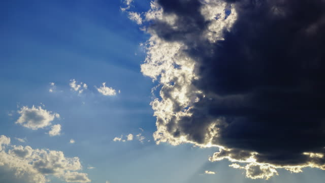 Time-lapse 4k, dramatiska lynnig sky