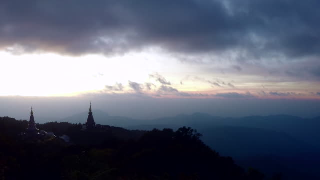 Time-lapse 4K UHD pagoda historic sites with cloudy sky and sunrise