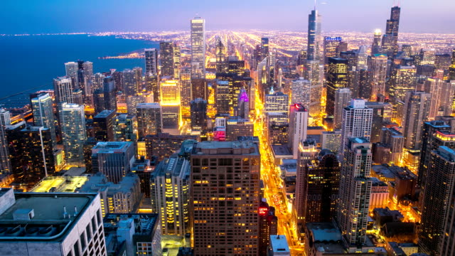 "HD ""Time-lapse"": Vista aérea de Chicago Skyline Vista da cidade no anoitecer, EUA"
