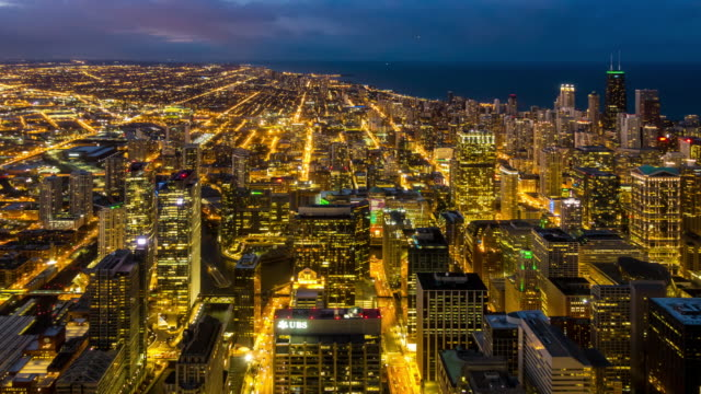 time-lapse: aerial view of chicago skyline cityscape looking river north, il usa at sunset twilight - willis tower stock videos & royalty-free footage