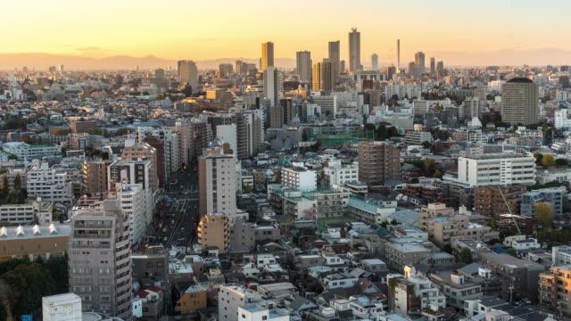 時間経過: の航空の東京の風景のビューおよび文京からスカイライン