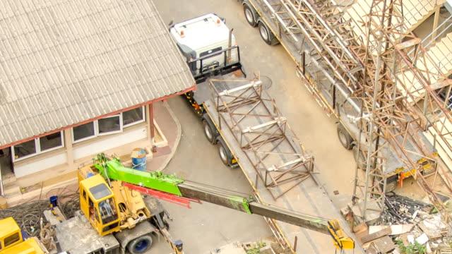 HD-Zeitraffer: Luftbild von der Lkw in elektrischen Baustelle