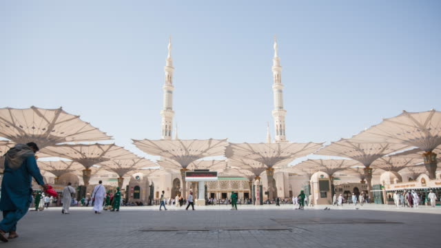time-lapse al madinah, saudi arabia - mosque stock videos & royalty-free footage
