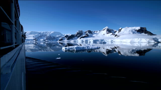 time-lapse : antarctic cruise - cruise antarctica stock videos & royalty-free footage