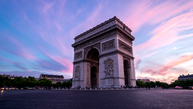 hd timelapse: arc of triomphe champs elysees paris city, france - arc de triomphe paris stock videos & royalty-free footage