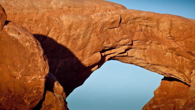 Timelapse, arch rock structure in Utah