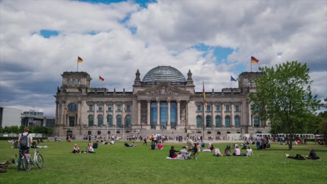 hd timelapse at berlin reichstag, germany - dome stock videos & royalty-free footage