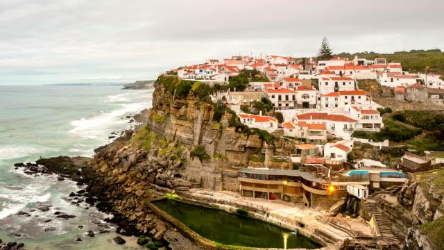 vídeos y material grabado en eventos de stock de hd timelapse: azenhas hacer mar village at dusk, sintra, lisboa portugal - estilo de música