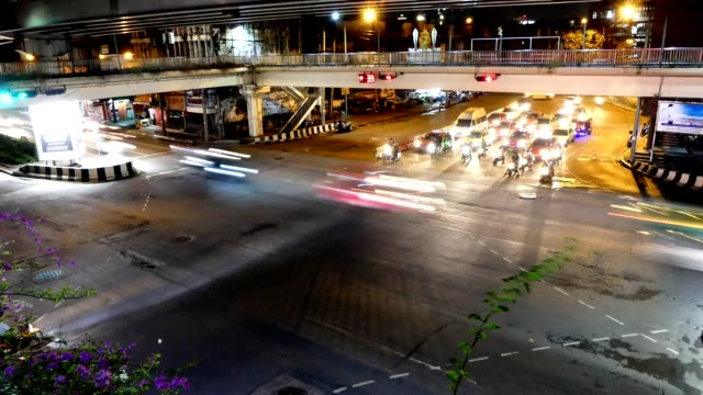 vídeos de stock e filmes b-roll de timelapse bangkok night traffic - regras