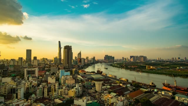 time-lapse beautiful sunset in ho chi minh city, vietnam. - ベトナム点の映像素材/bロール