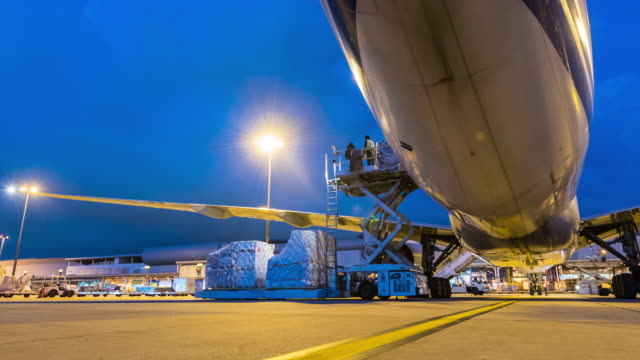 Time-lapse : Cargo Aircraft