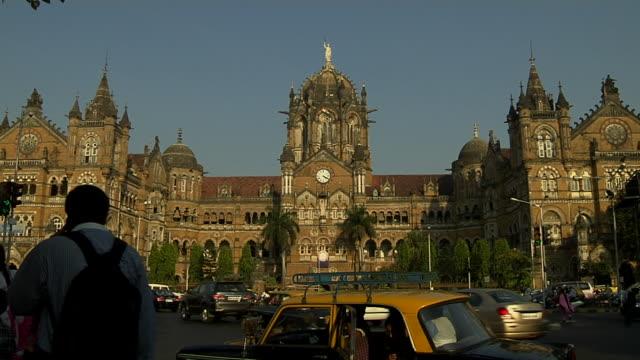 timelapse chatrapati shivaji terminus mumbai maharashtra - mumbai stock videos & royalty-free footage