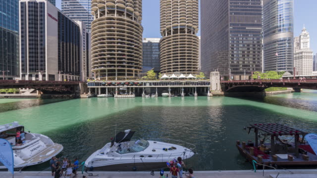 4K Time-Lapse: Chicago River