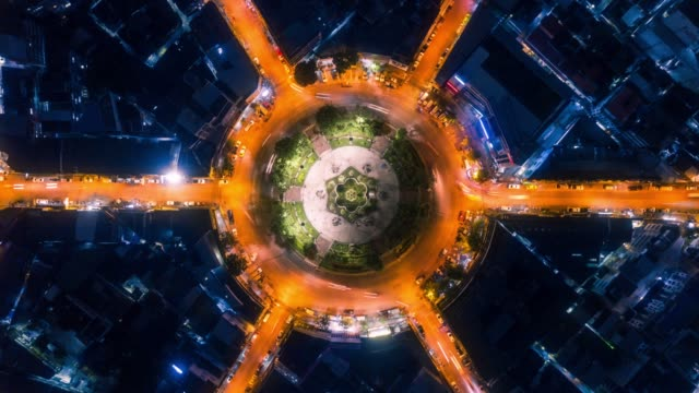 timelapse circle traffic in the city at night - looking down stock videos & royalty-free footage