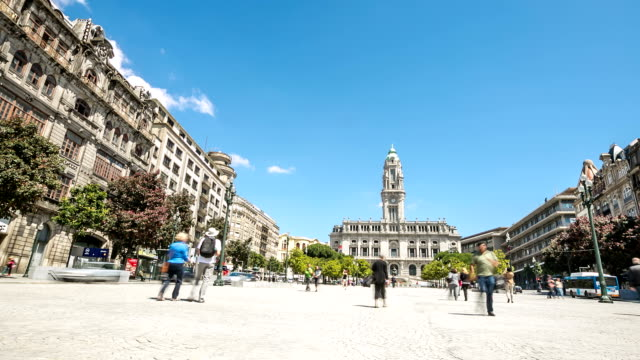 "vídeos de stock e filmes b-roll de hd ""time-lapse"": city hall em porto, portugal - hd format"