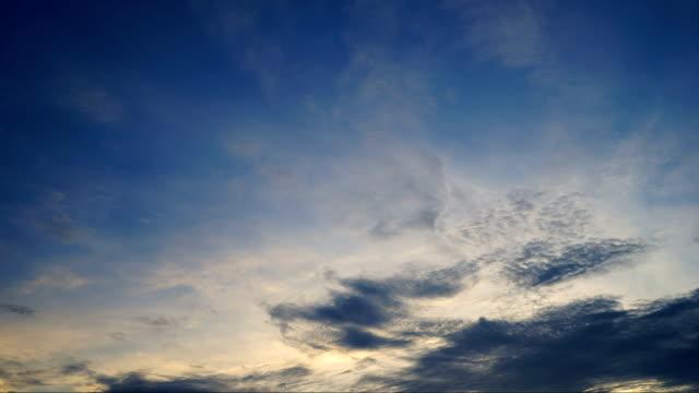 timelapse clouds cumulonimbus before the twilight - cirrocumulus stock videos & royalty-free footage